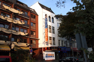 Viajes Ibiza - A&O Hamburg Reeperbahn