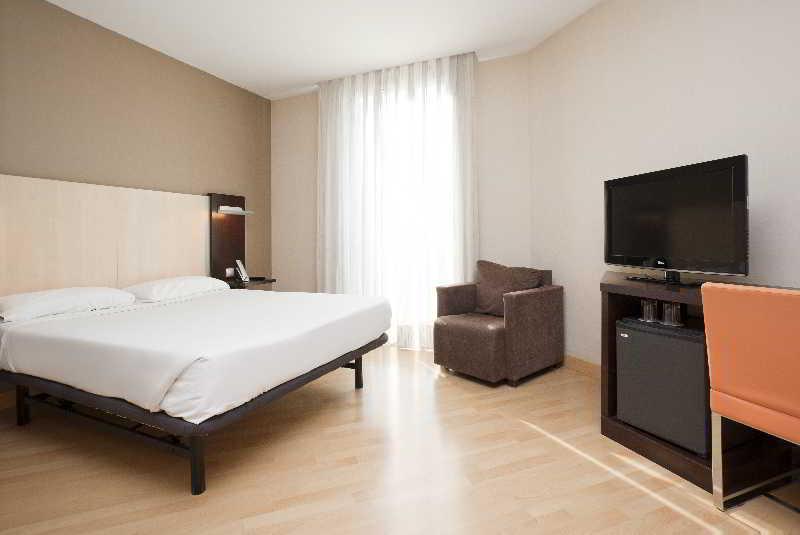 Hotel ilunion auditori - Hotel confortel auditori ...