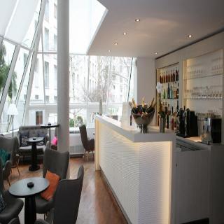 http://www.hotelbeds.com/giata/04/049573/049573a_hb_ba_001.jpg
