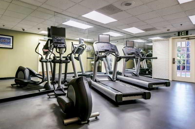 Trovalia - Holiday Inn Select San Diego North Miramar