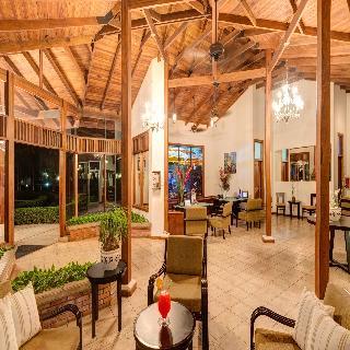 Casa Conde Beachfront Hotel