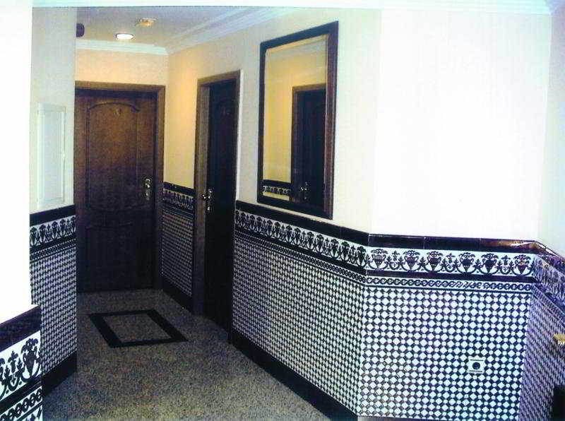 http://www.hotelbeds.com/giata/05/057895/057895a_hb_a_012.jpg