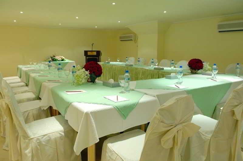 Viajes Ibiza - Al Muntazah Plaza Hotel and Apt.