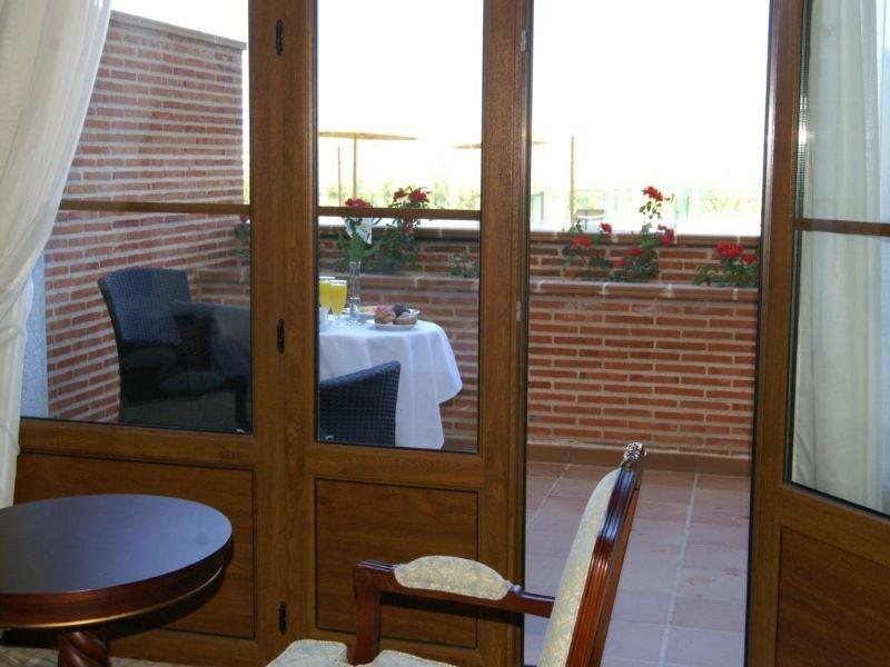 Candido hotel en segovia viajes el corte ingl s for Hotel piscina segovia