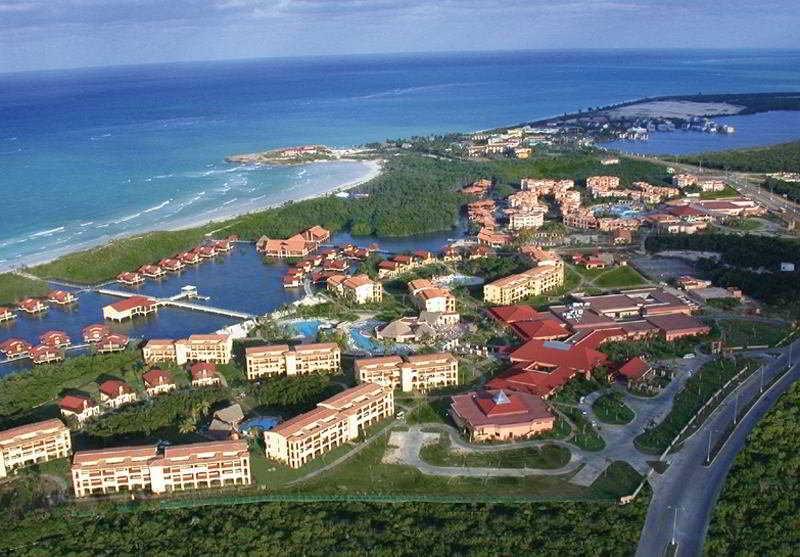 HotelNh Krystal Laguna Villas & Resort