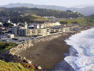 Pacifica Lighthouse, a Wyndham Hotel