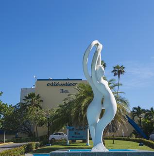http://www.hotelbeds.com/giata/06/067525/067525a_hb_a_001.jpg