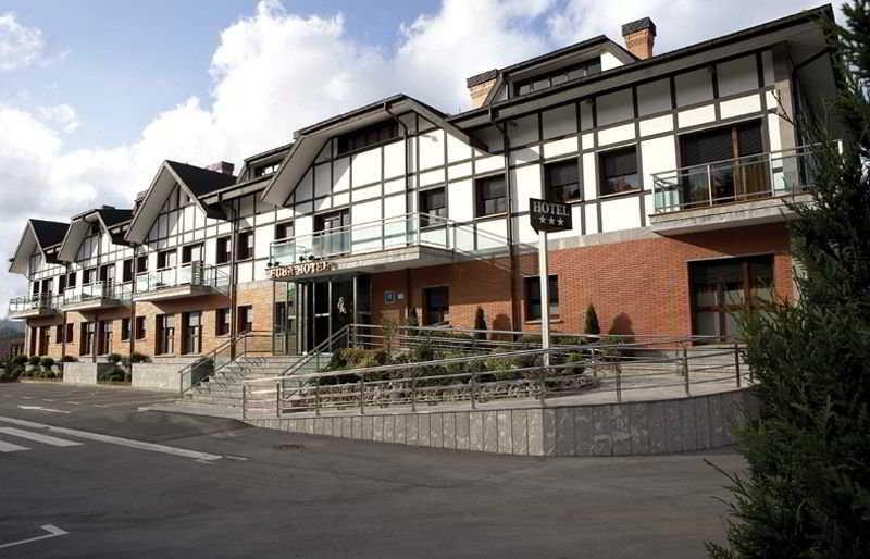 Precios y ofertas de hoteles en amorebieta vizcaya for Hoteles en bilbao con piscina