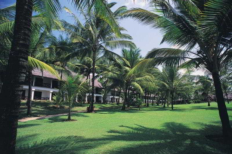 HotelVoyageur Beach Resort