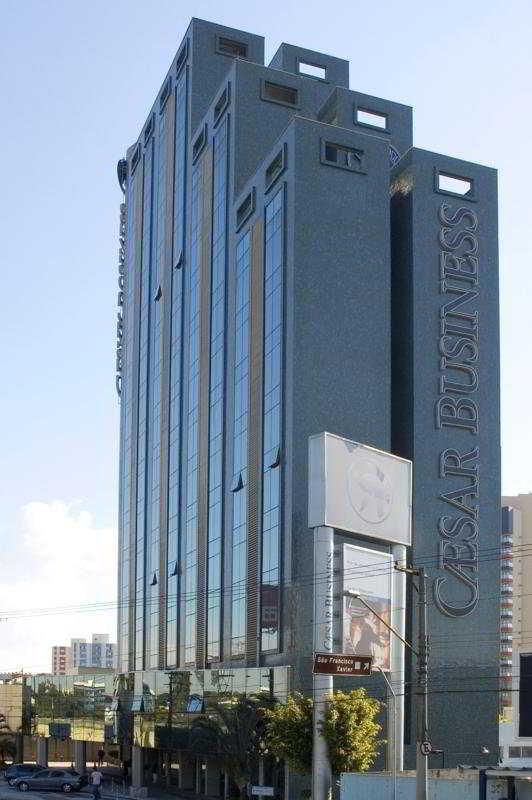 http://www.hotelbeds.com/giata/07/072462/072462a_hb_a_001.jpg