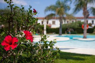 Apartamentos villajardin cambrils desde 35 rumbo for Apartamentos villa jardin cambrils