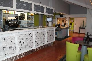 Kyriad Longvic Dijon