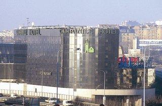 http://www.hotelbeds.com/giata/07/074702/074702a_hb_a_001.jpg