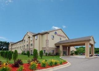 HotelComfort Suites