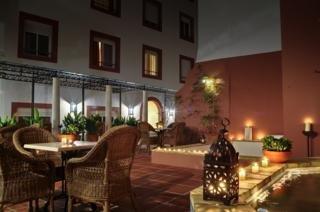 http://www.hotelbeds.com/giata/07/075526/075526a_hb_a_006.jpg