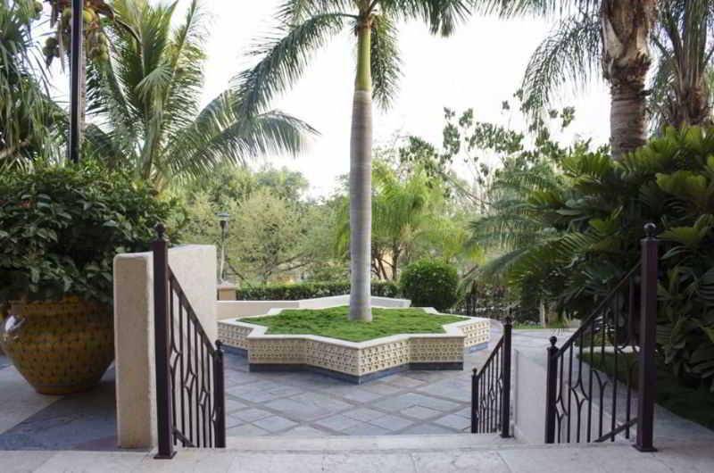 http://www.hotelbeds.com/giata/07/076282/076282a_hb_a_001.jpg