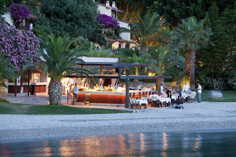 Hillside Beach Club