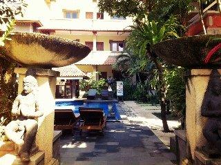 Viajes Ibiza - Legian Village