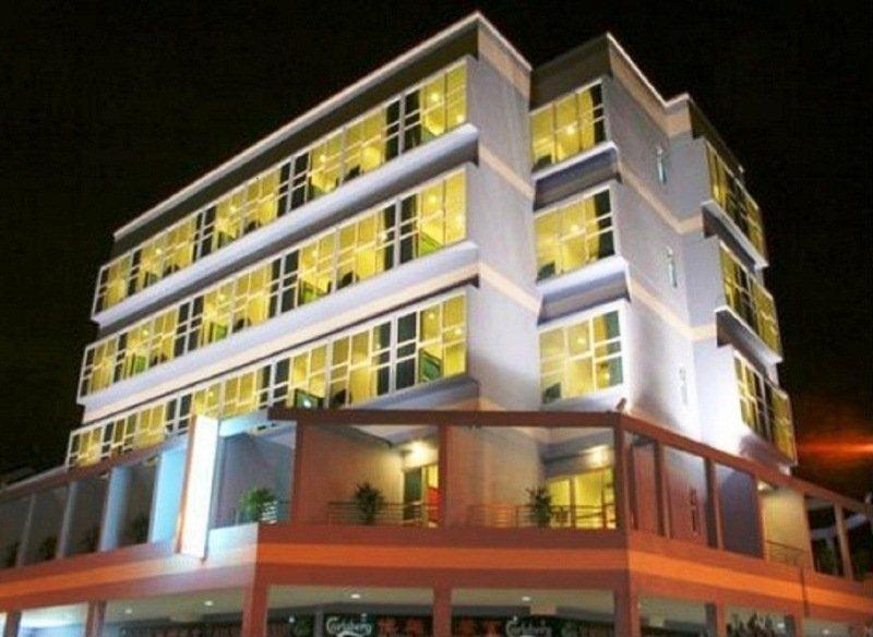 Hotel 81 Elegance