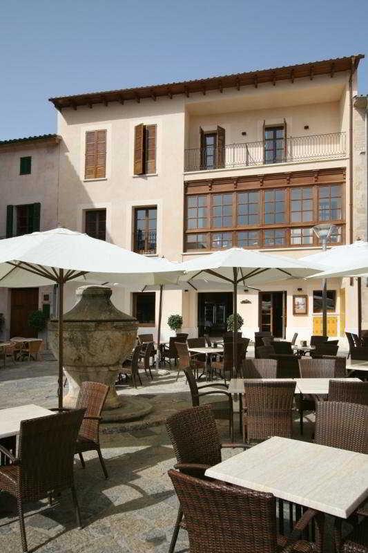 Cal Lloro Pollena, Spain Hotels & Resorts
