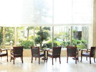 Bellevue Garden Hotel:  Lobby