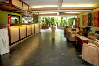 hotel Bay Village Tropical Retreat and Apartments Cairns