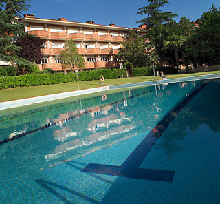 http://www.hotelbeds.com/giata/08/084471/084471a_hb_a_001.jpg