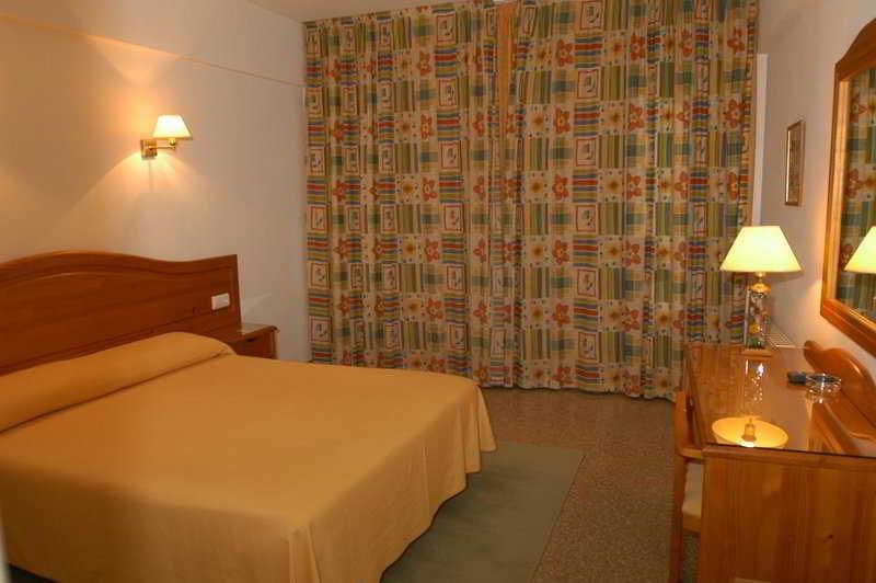 Hotel gema 2 hotel in moraira hotel for Appart hotel 2 moraira