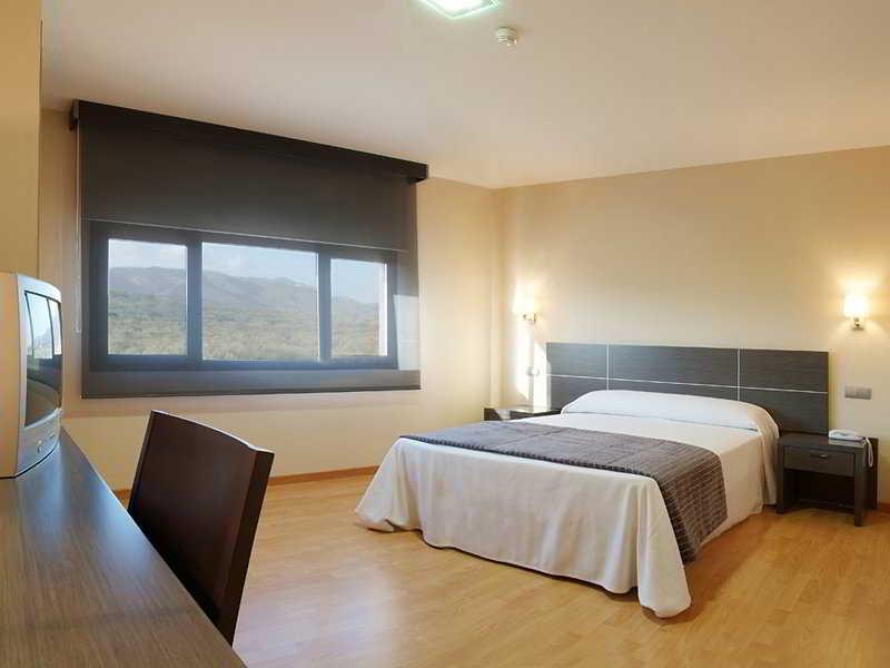 Precios y ofertas de hotel nova senia en la senia terres - Muebles la senia ofertas ...