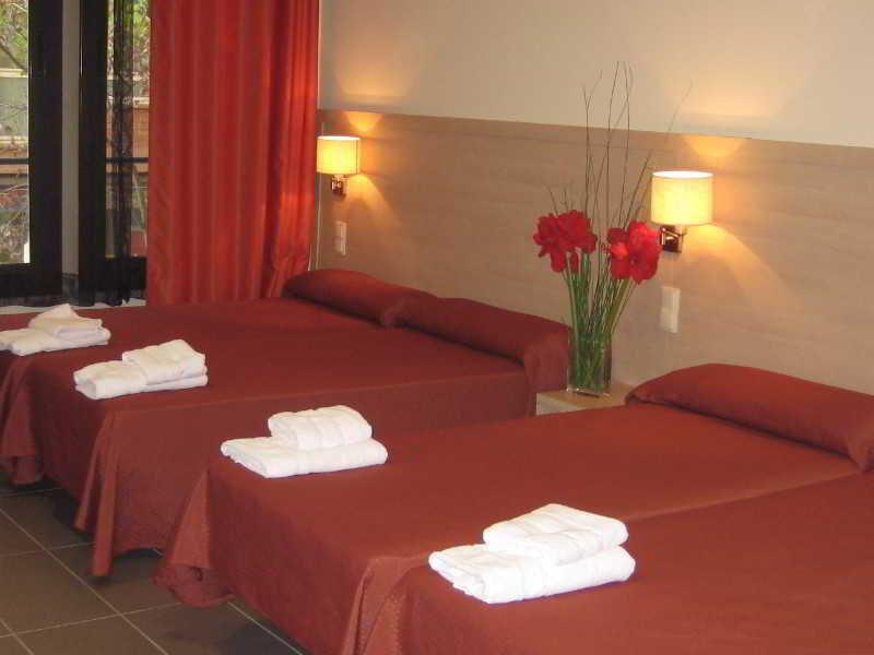 Hotel residencia erasmus gracia en barcelona - Habitacion en roma torrent ...