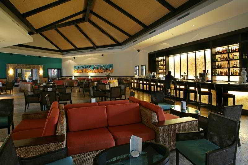 Hostal nh real arena luxury resort em punta cana rumbo for Hostal luxury