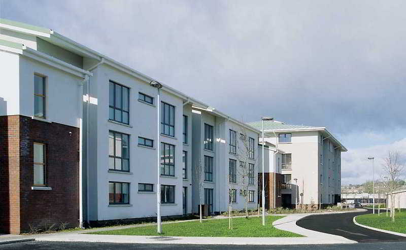 Hotel Riverwalk Waterford Apartments