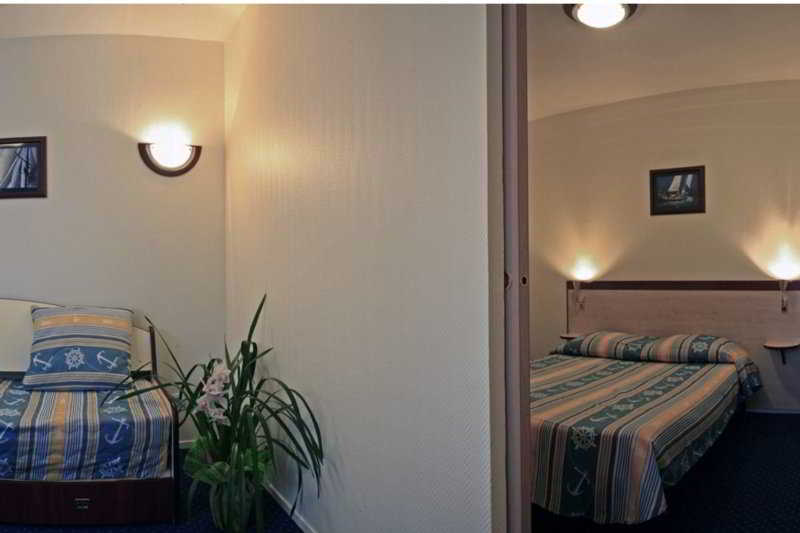 Hotel appart 39 city pontoise cergy le haut cergy viajes for Appart hotel a madrid