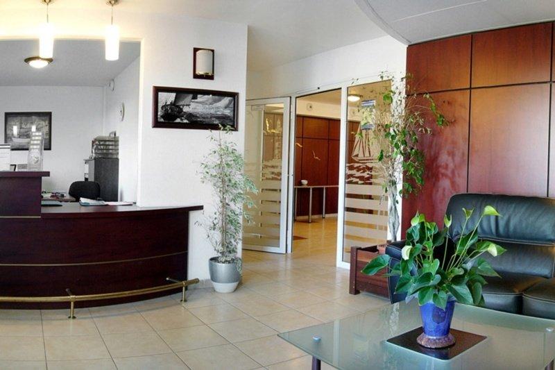 Hotel appart city versailles louveciennes louveciennes for Hotel appart madrid