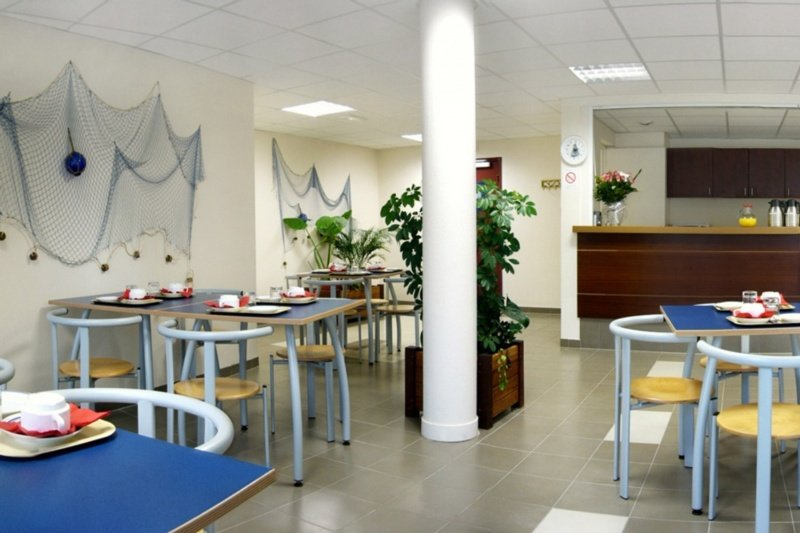 Hotel appart 39 city poissy poissy viajes olympia madrid for Appart hotel a madrid