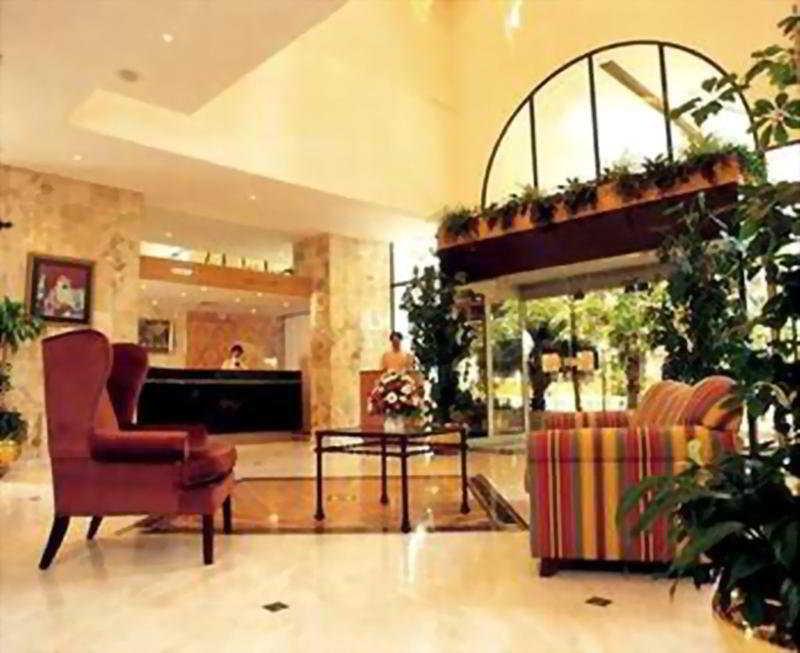 Oferta en Hotel International Rotana Inn Abu Dhabi en Asia