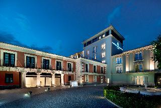 http://www.hotelbeds.com/giata/09/094175/094175a_hb_a_004.jpg