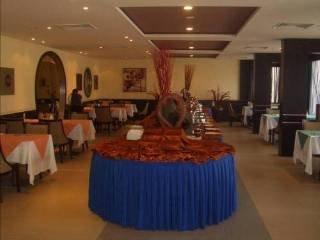 Dormir en Hotel Golden Tulip  Qasr Al Nasiria en Riad
