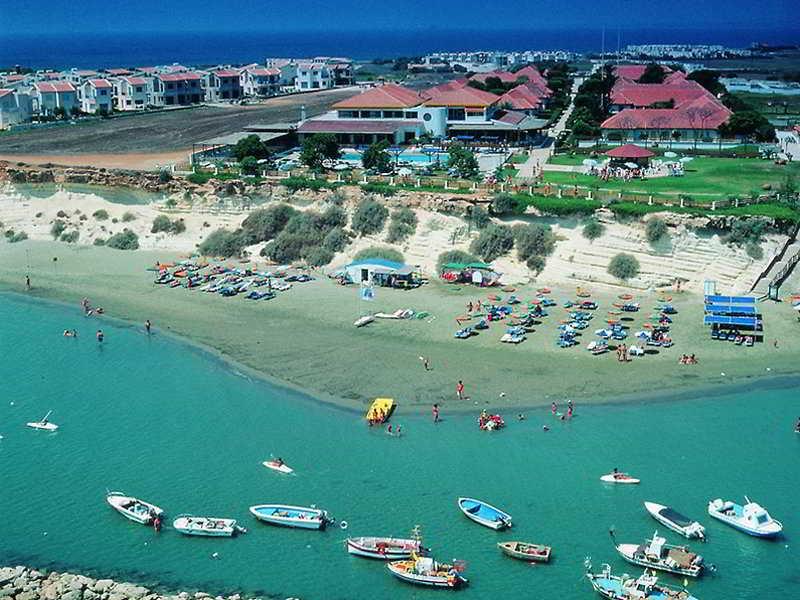 Faros Holiday Village