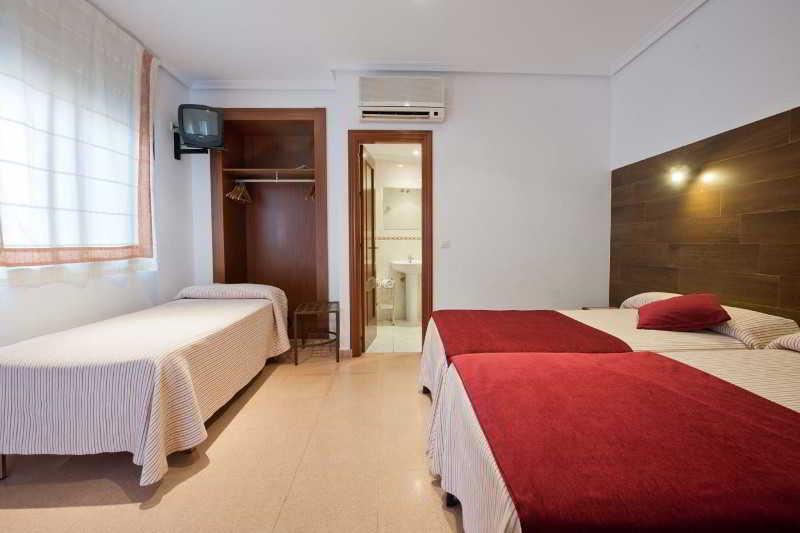 hotel y hostal sol toledo: