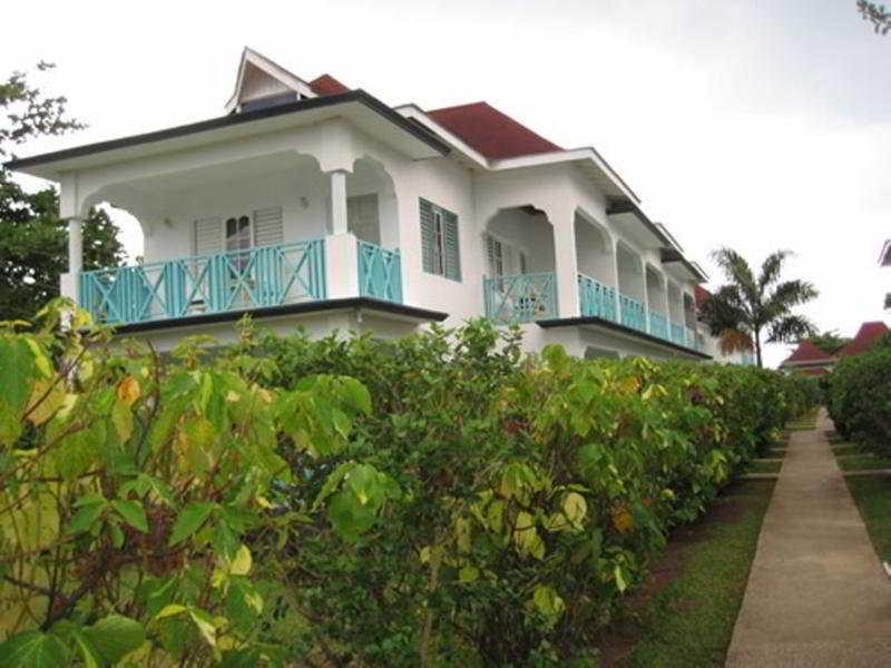 Coral Seas Beach Resort