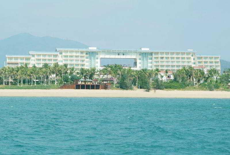 Days Hotel & Suites