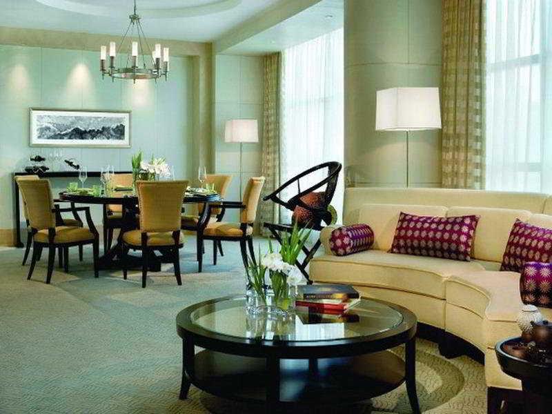 The Ritz-Carlton, Financial Street