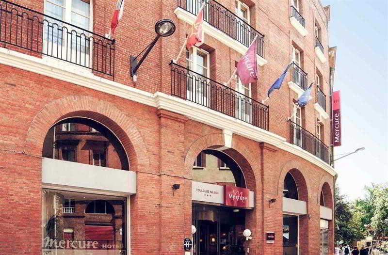 http://www.hotelbeds.com/giata/09/099203/099203a_hb_a_001.jpg