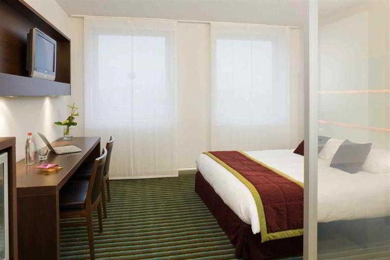 mercure paris ivry quai de seine hotel in ivry sur seine. Black Bedroom Furniture Sets. Home Design Ideas