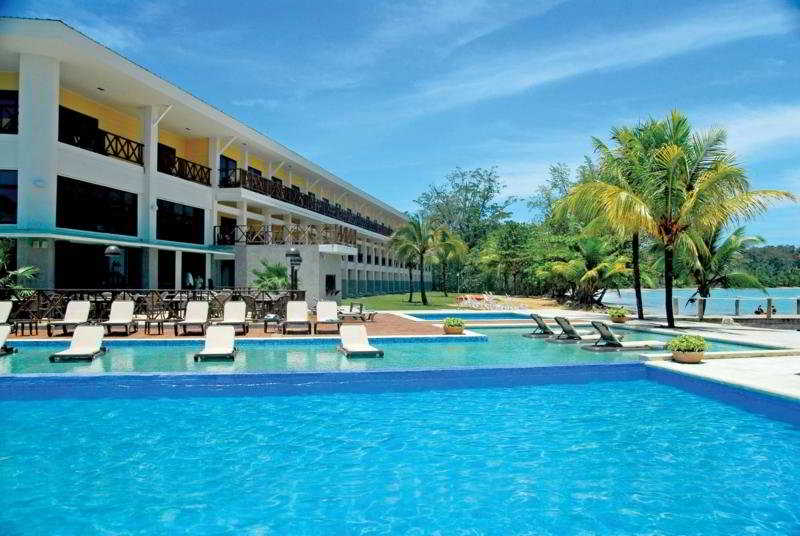 Playa Tortuga Hotel & Beach Resort