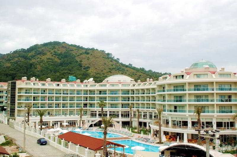 Deluxe Hotel Pinetapark in Marmaris, Turkey