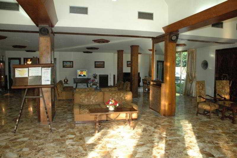 Tafilalet Hotel:  Lobby