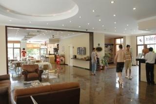 Azalea Apart Hotel:  Lobby