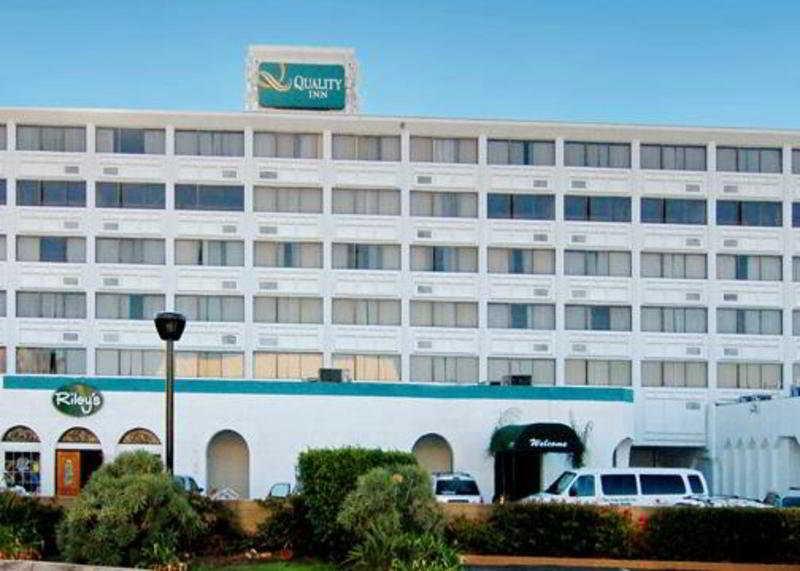 http://www.hotelbeds.com/giata/10/103333/103333a_hb_a_001.jpg
